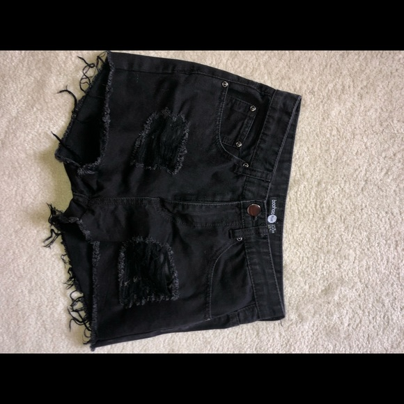 Boohoo Pants - Black denim shorts